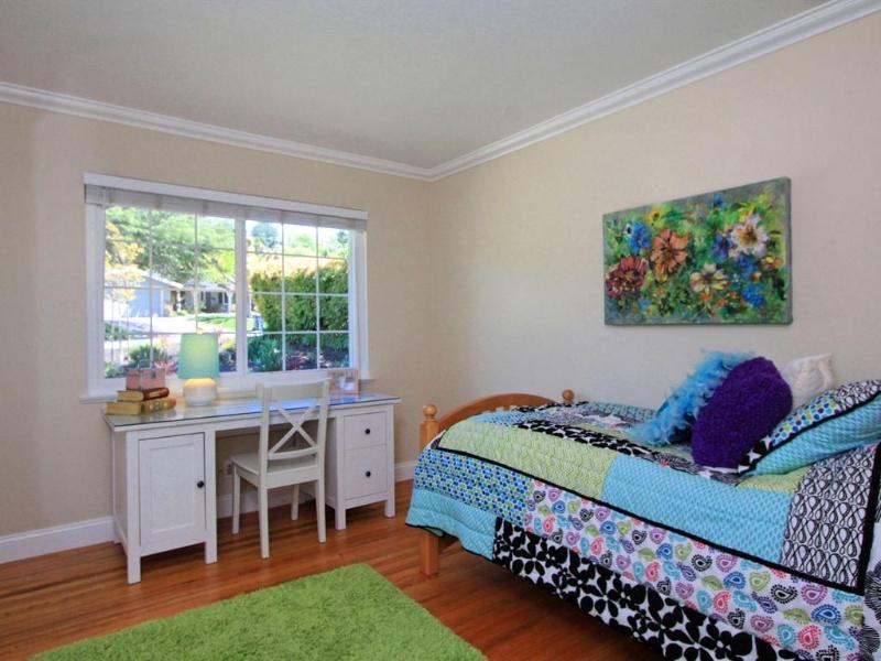 020_bedroom