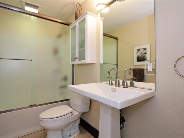 022_bathroom