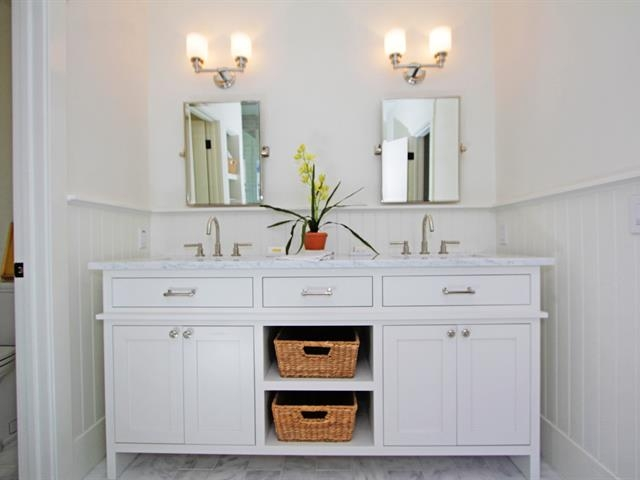 026_master-bathroom