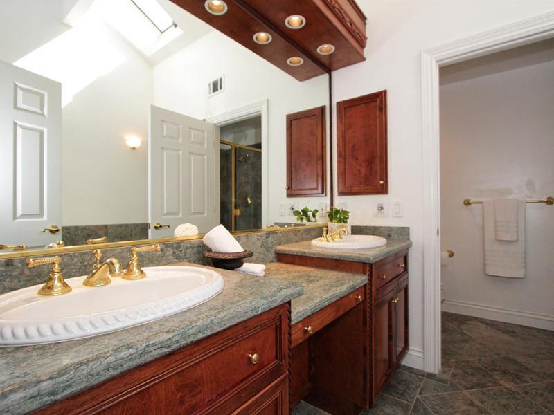 029_Junior Suite Bath