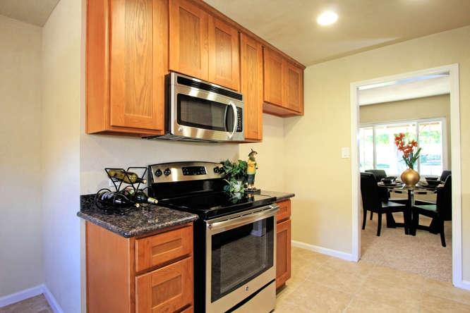 136-adria-dr-pleasant-hill-ca-small-010-kitchen-2-666×444-72dpi