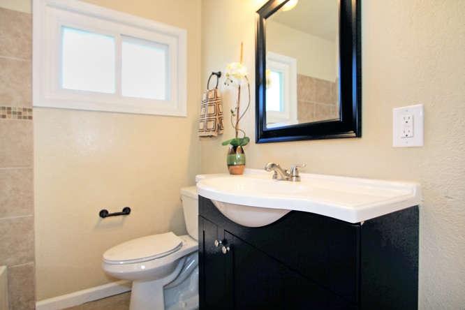 136-adria-dr-pleasant-hill-ca-small-021-bathroom-666×444-72dpi