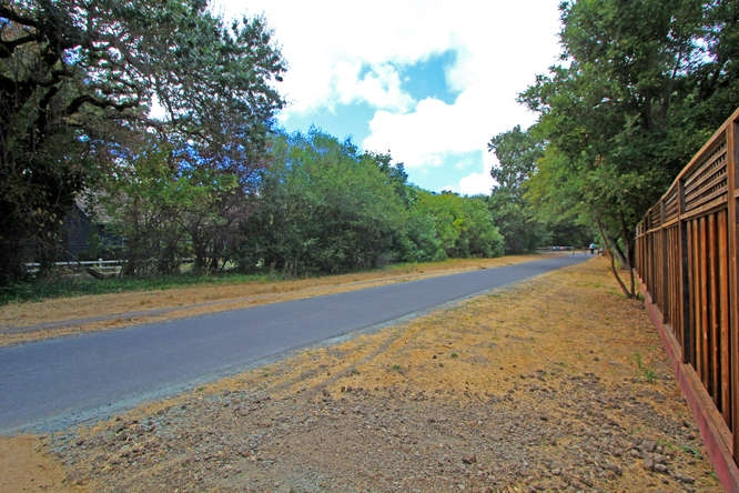 733-los-palos-dr-lafayette-ca-small-044-close-to-trail-system-666×444-72dpi