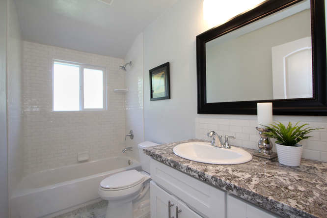 790-quiet-view-ct-walnut-creek-small-022-bathroom-666×444-72dpi