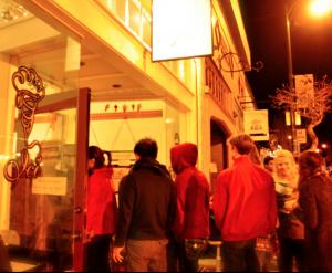 Berkeleys Elmwood Neighborhood Offers Charming Homes Busy Retail District