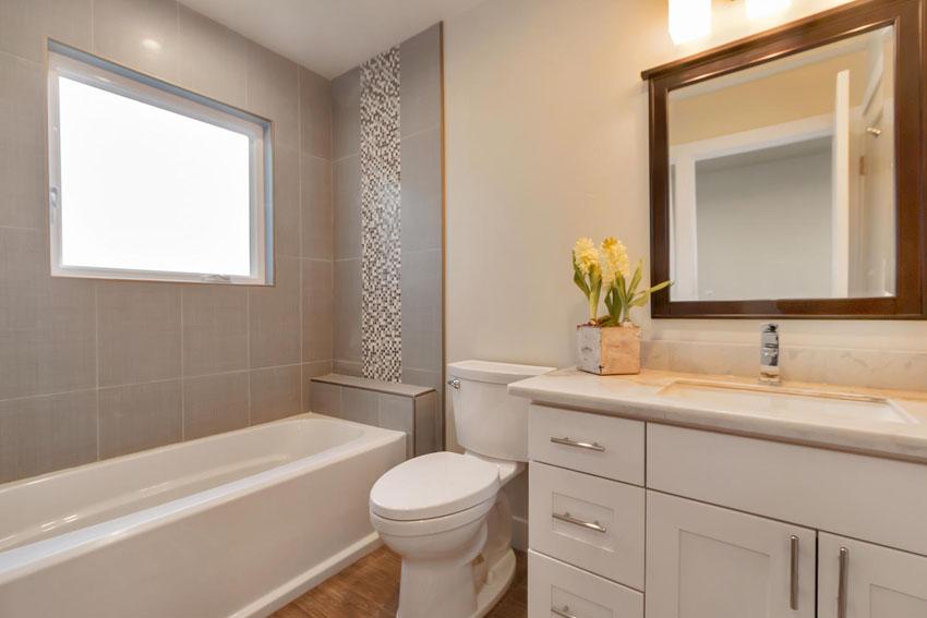 1106 Upper Happy Valley Rd-large-027-Bathroom-1500×1000-72dpi