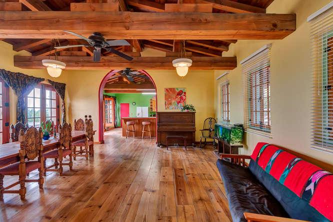 843 Las Trampas Rd Lafayette-small-026-Family Room-666×444-72dpi