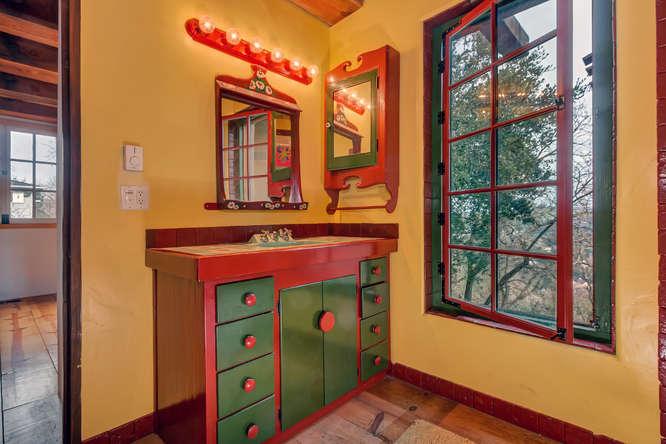 843 Las Trampas Rd Lafayette-small-039-Bathroom-666×444-72dpi