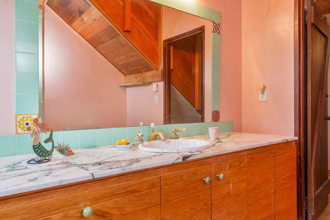 843 Las Trampas Rd Lafayette-small-040-Bathroom-666×444-72dpi