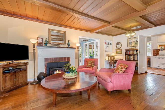 1036 Sunnybrook Dr Lafayette-small-005-Living Room-666×444-72dpi