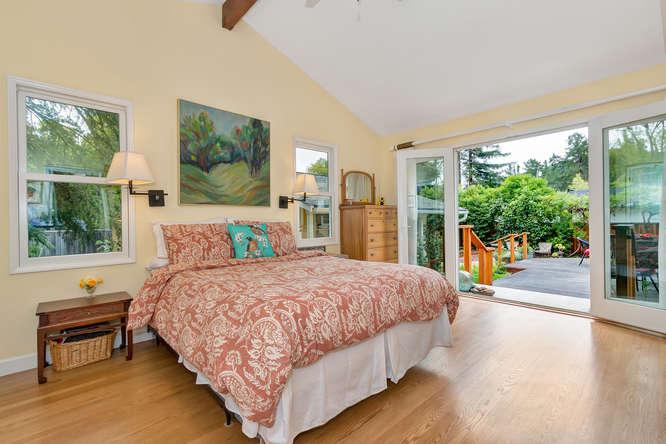 1036 Sunnybrook Dr Lafayette-small-015-Master Bedroom-666×444-72dpi