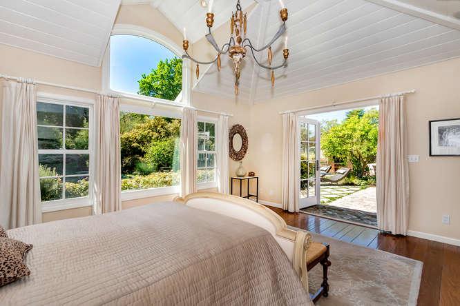 1186 Pleasant Hill Cir-small-024-Master Bedroom-666×444-72dpi