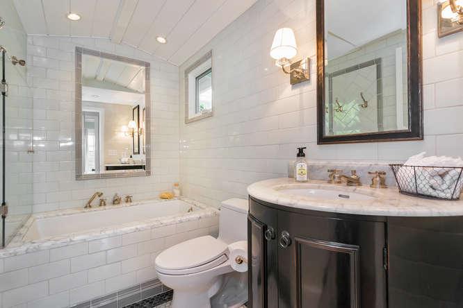 1186 Pleasant Hill Cir-small-032-Bathroom-666×444-72dpi